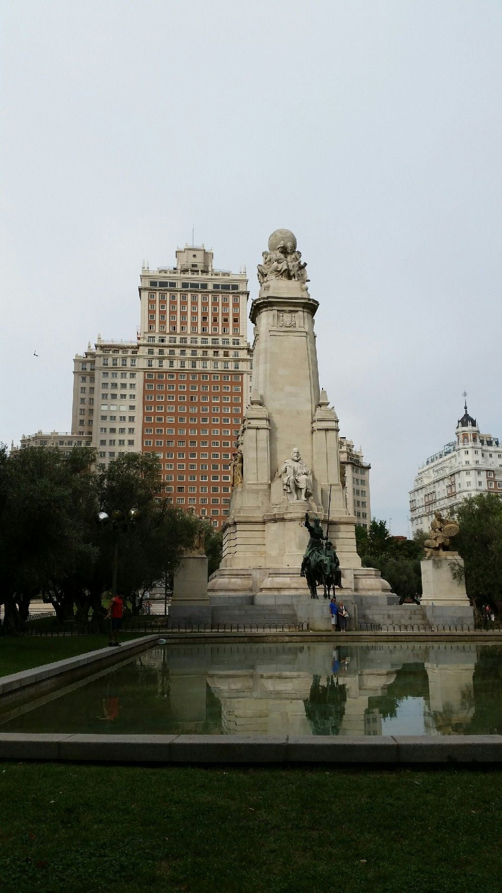 Memorial en Plaza de España de Madrid
