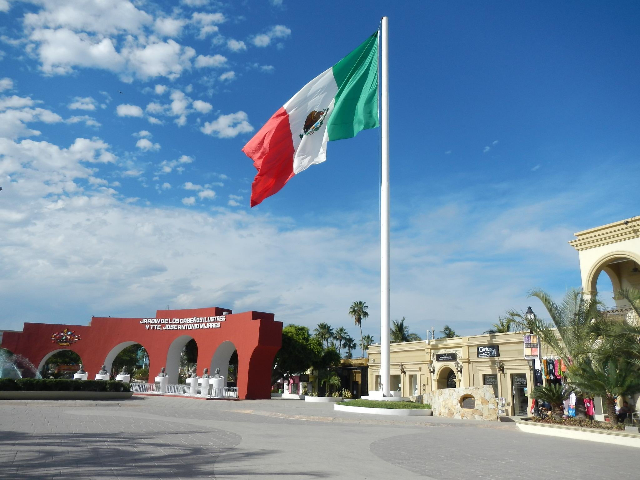 san jose del cabo single guys Can anyone tell me which hotel/ resort is the best for a single  best singles hotel - san jose del cabo  thanks george and joe i see you guys.