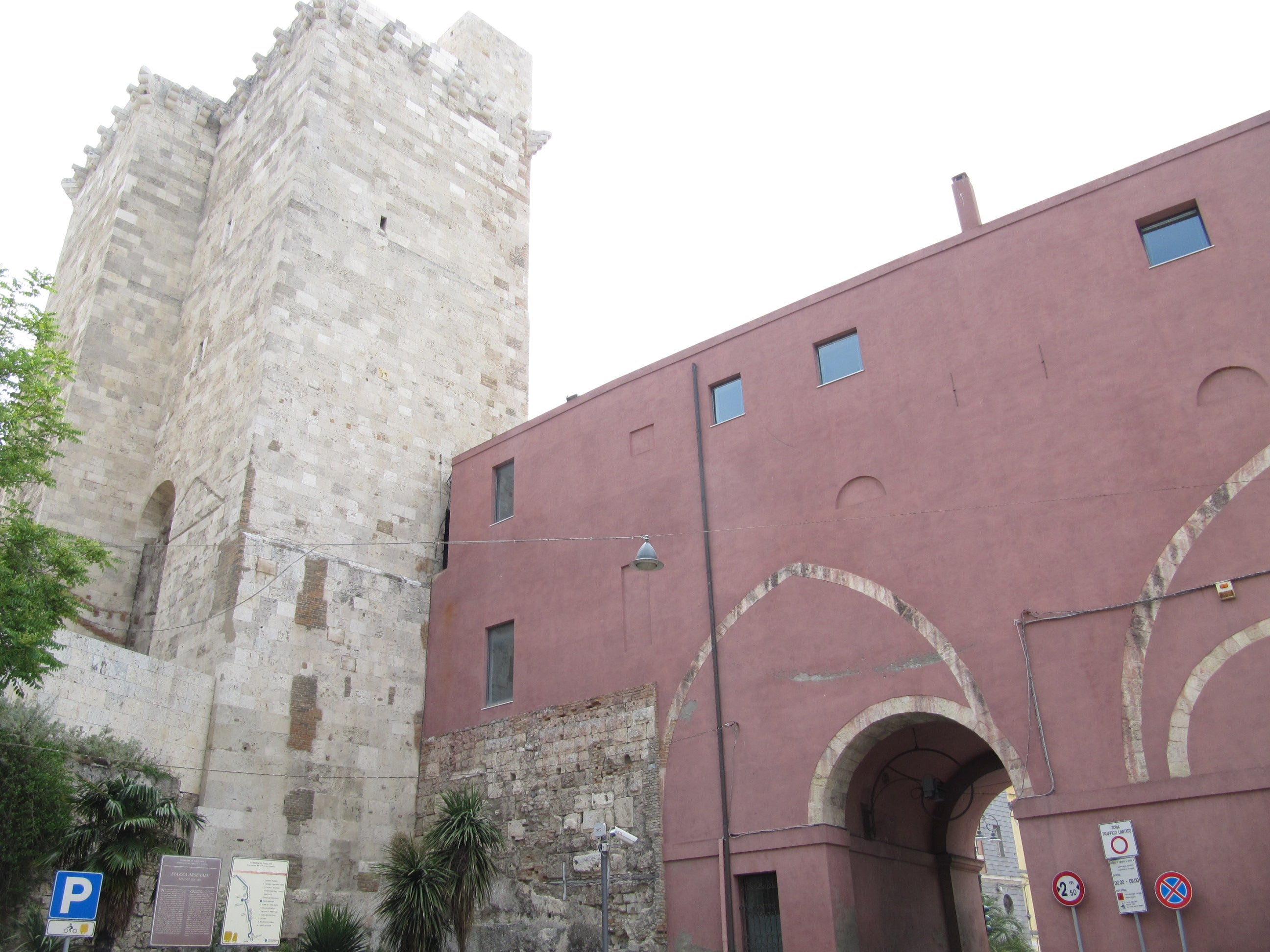 Letto A Castello A Cagliari.Torre Di San Pancrazio In Cagliari 4 Reviews And 6 Photos