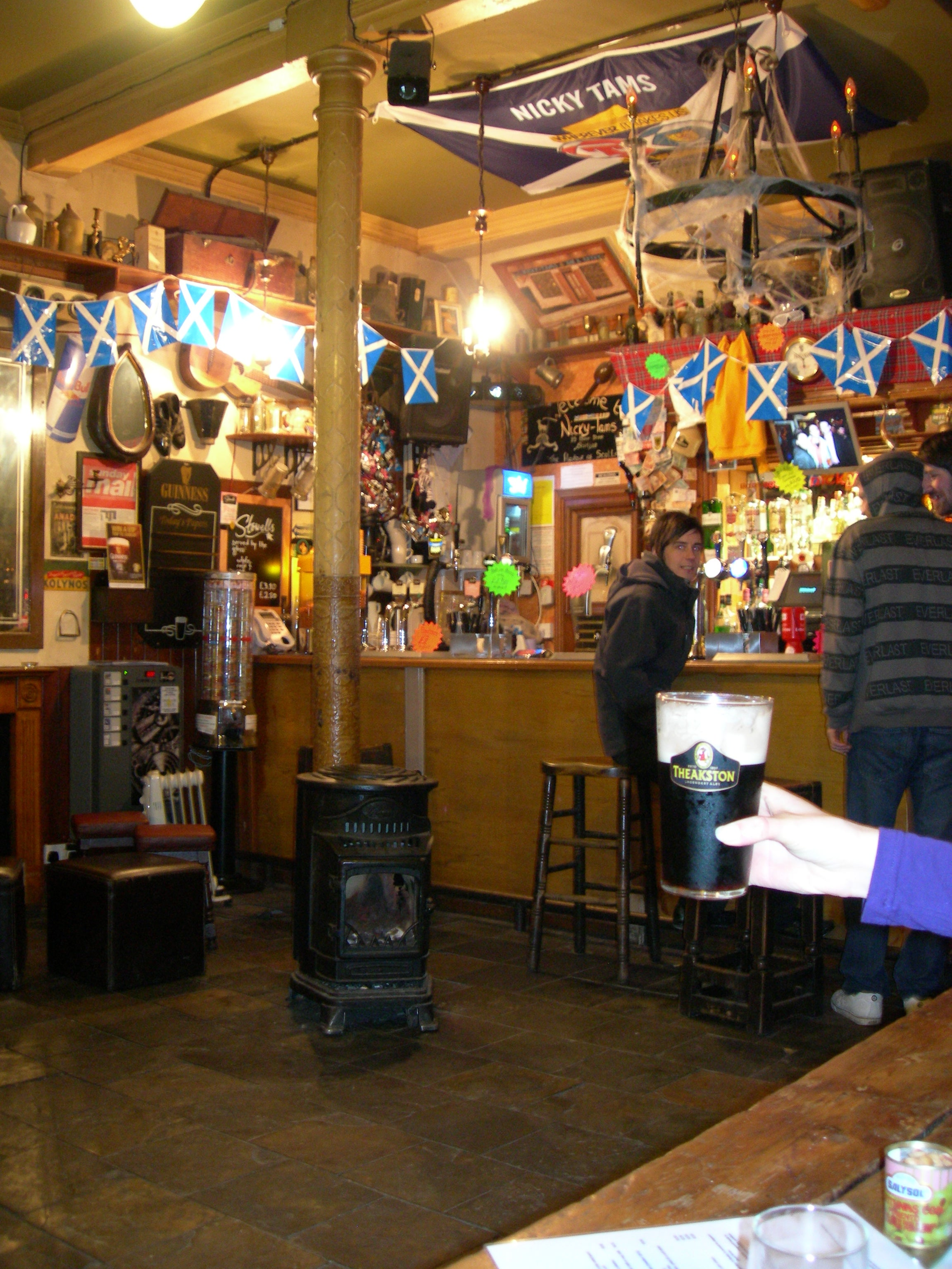 Restaurante en Nicky Tams Bar and Bouthy