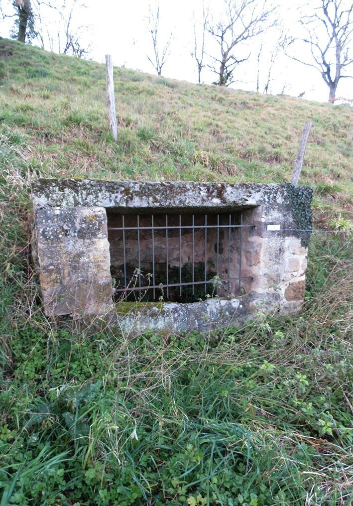 Air Raid Shelter in Fontaine de Valeyre