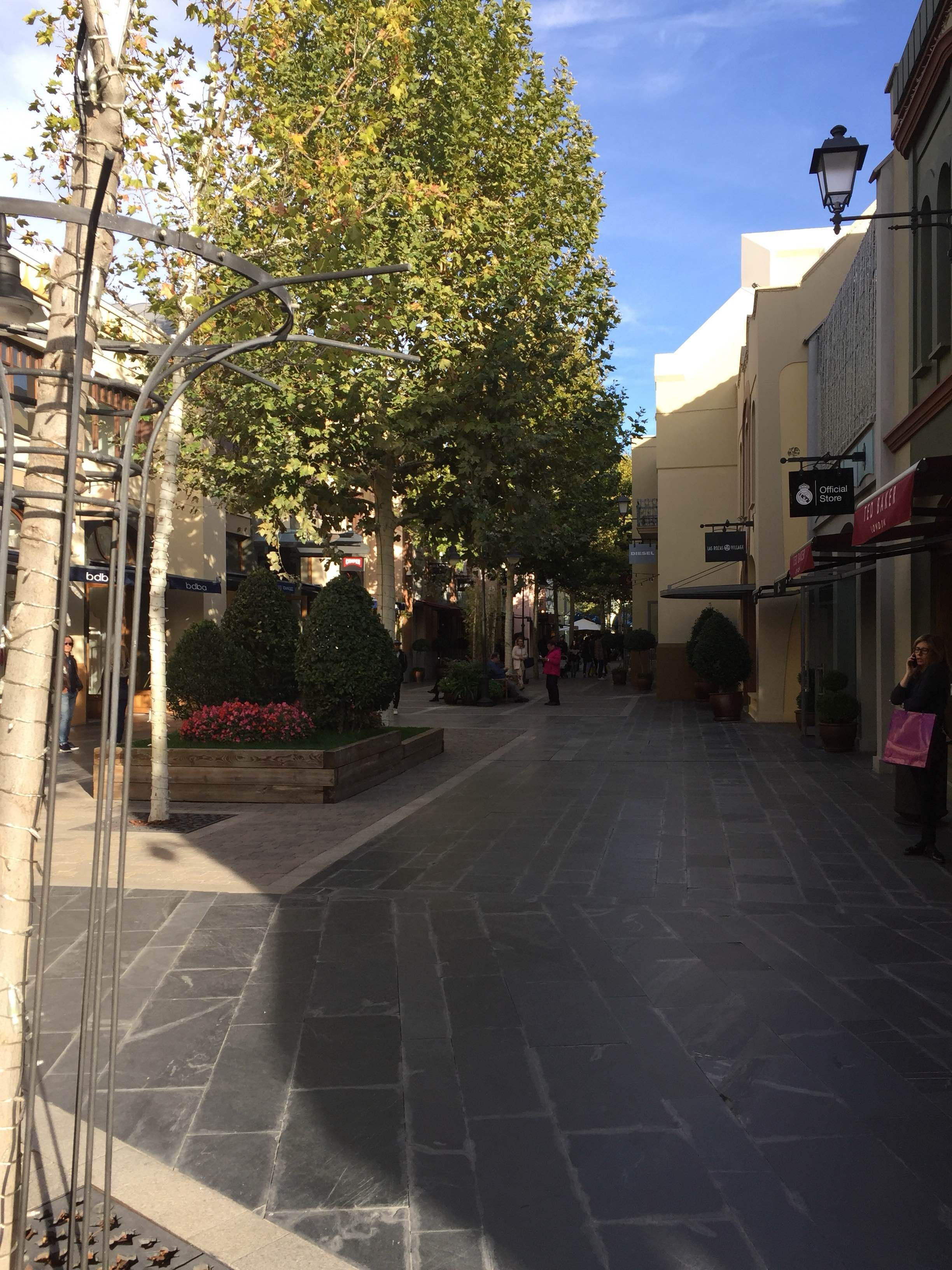 Infraestructura en Las Rozas Village outlet shopping