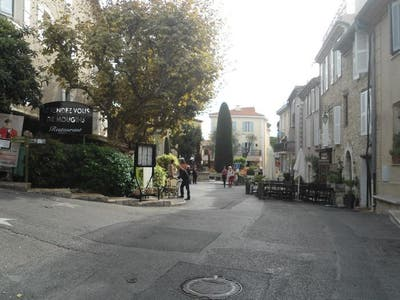 La place de Mougins