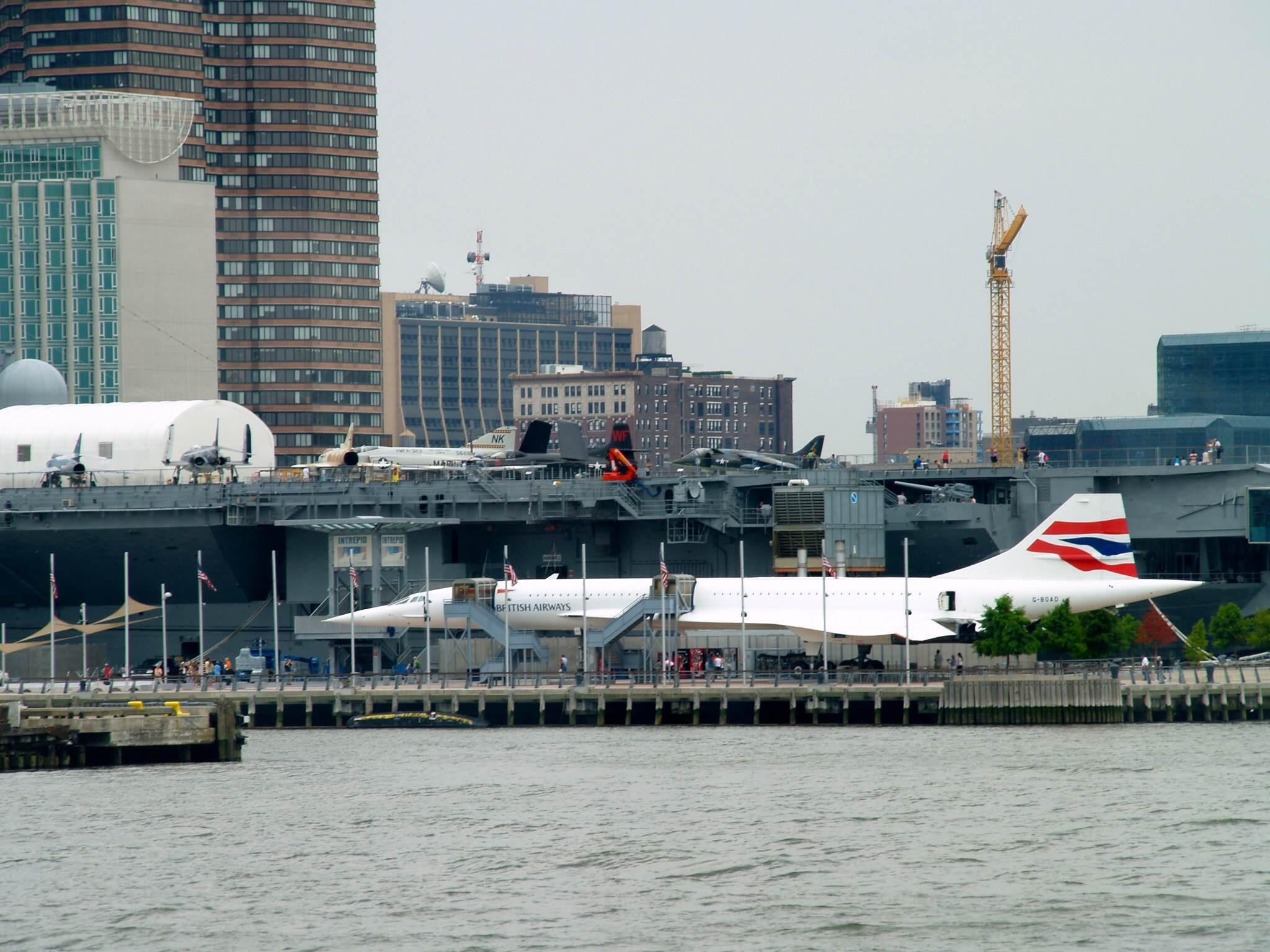 Mar en USS Intrepid