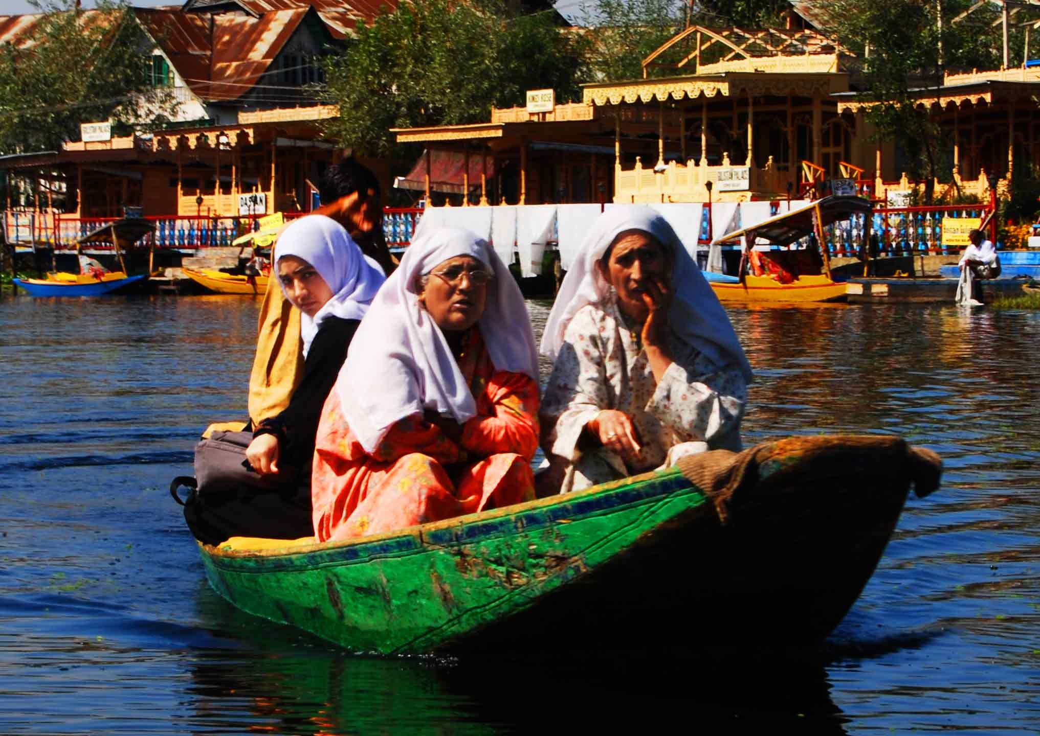 Canale Floating markets of Srinagar
