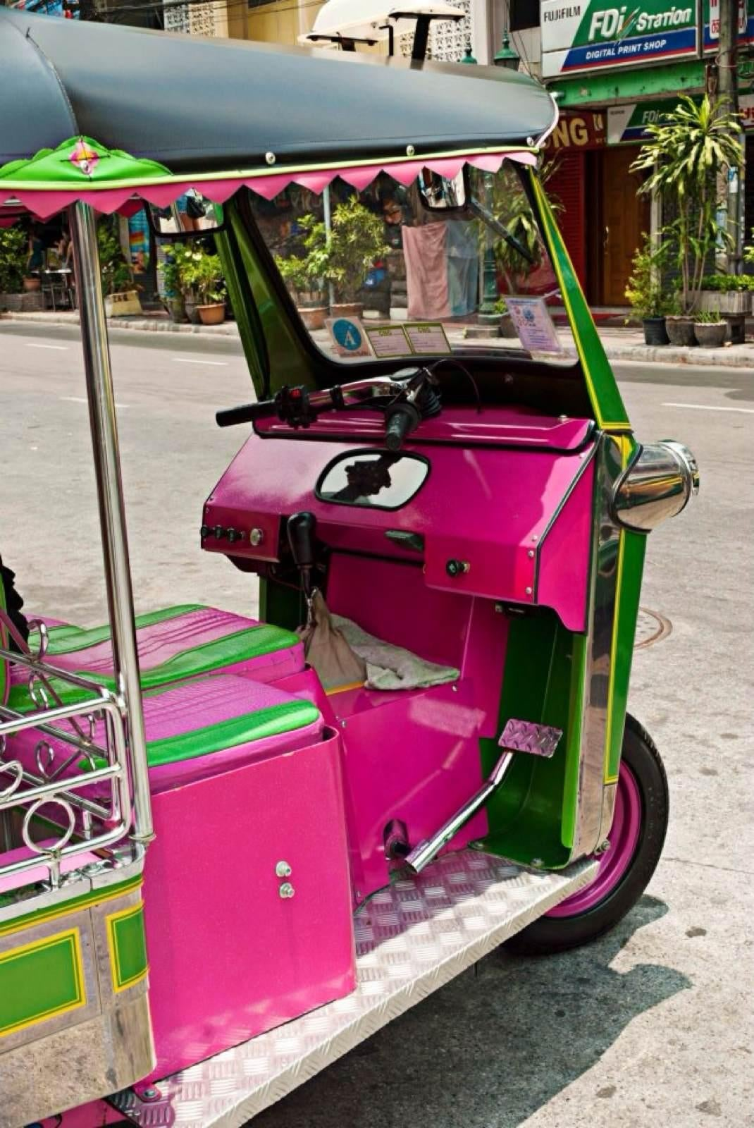 Color rosa en Tuk- Tuk