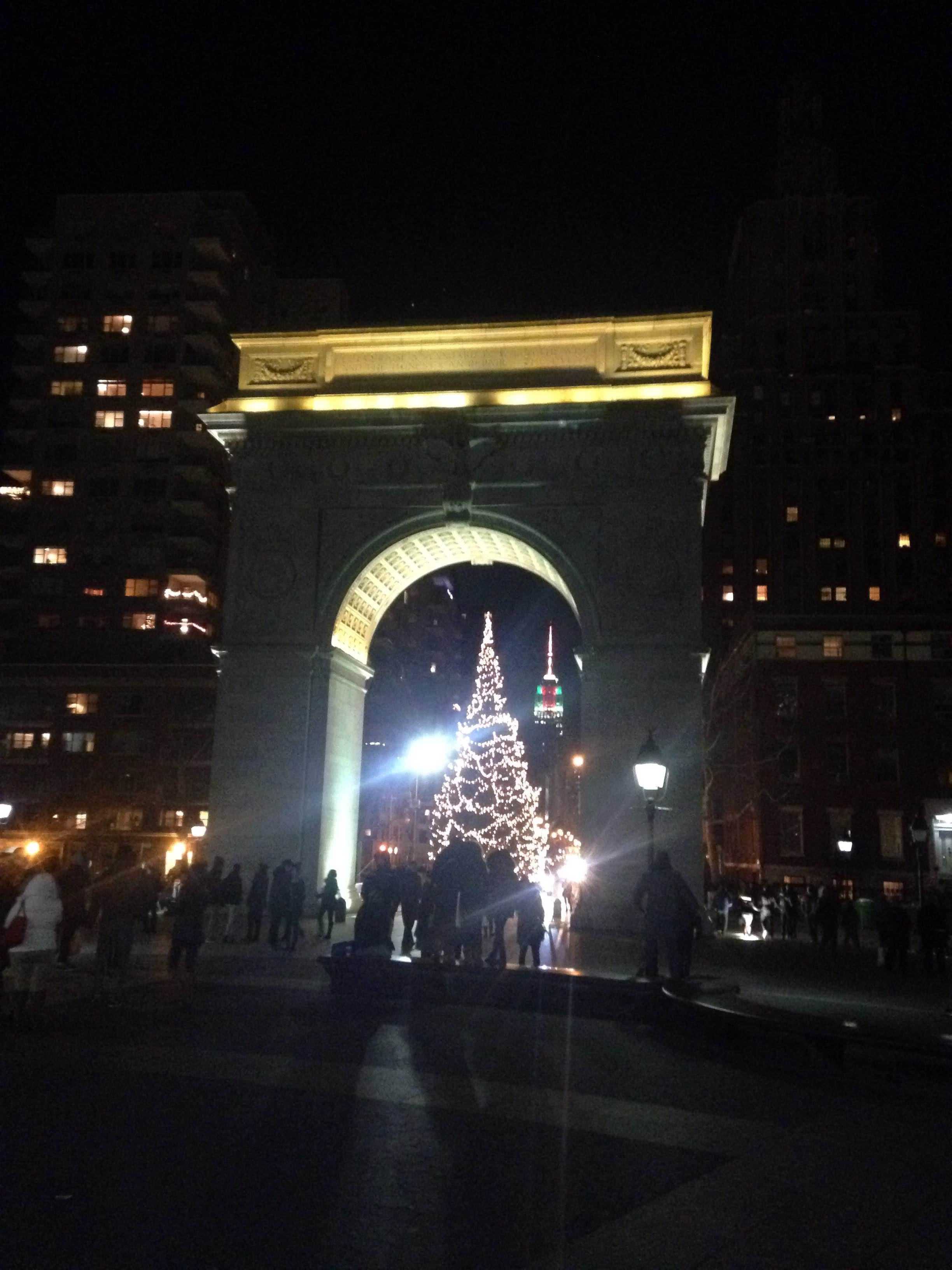 Noche en Washington Centennial Memorial Arch