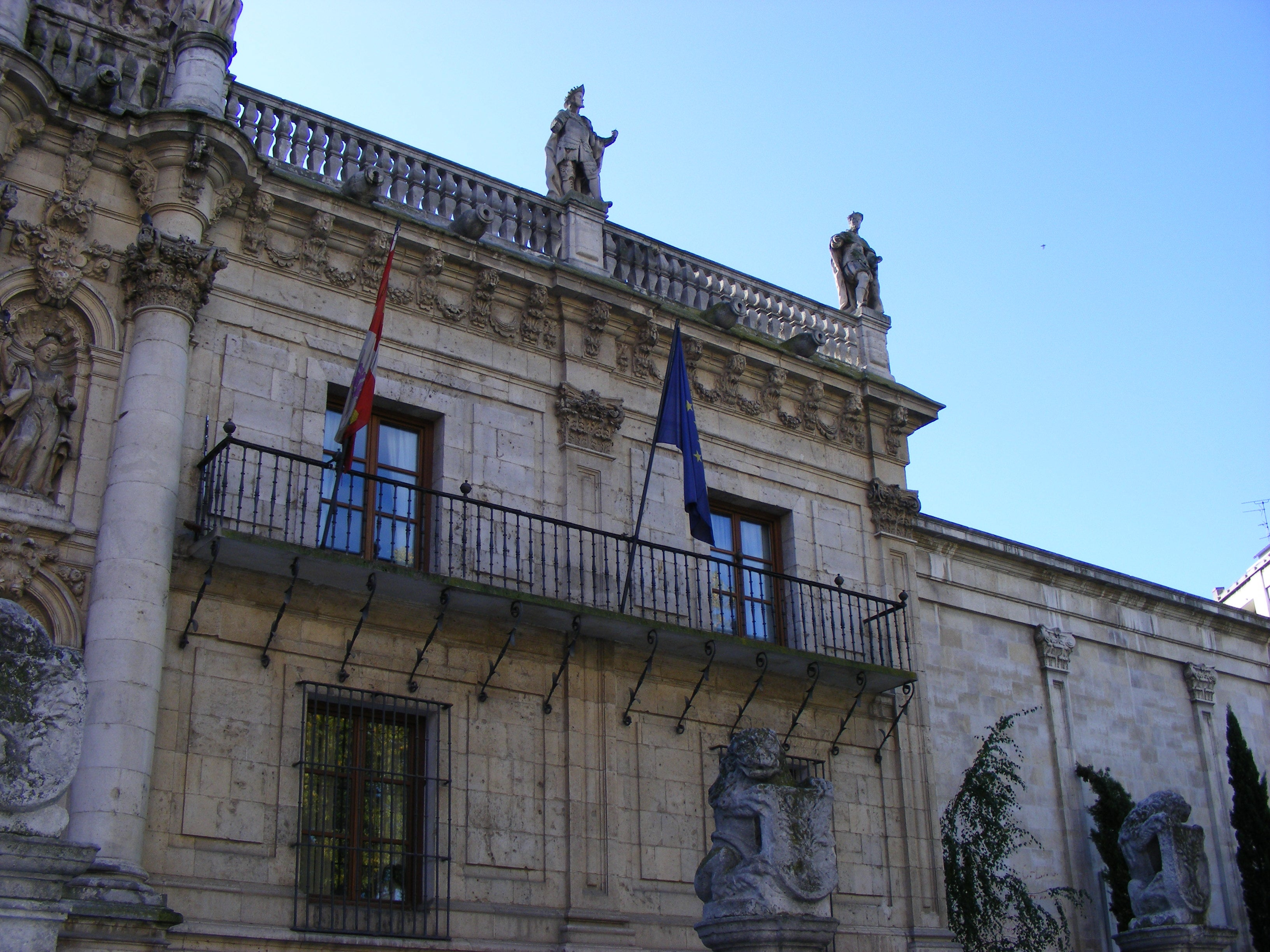 Casa en Plaza de la Universidad