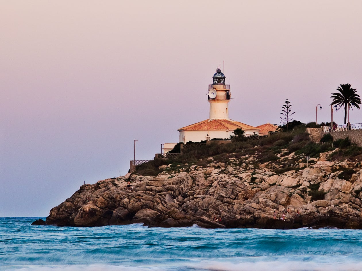 Cuera´s Lighthouse and Sorroundings