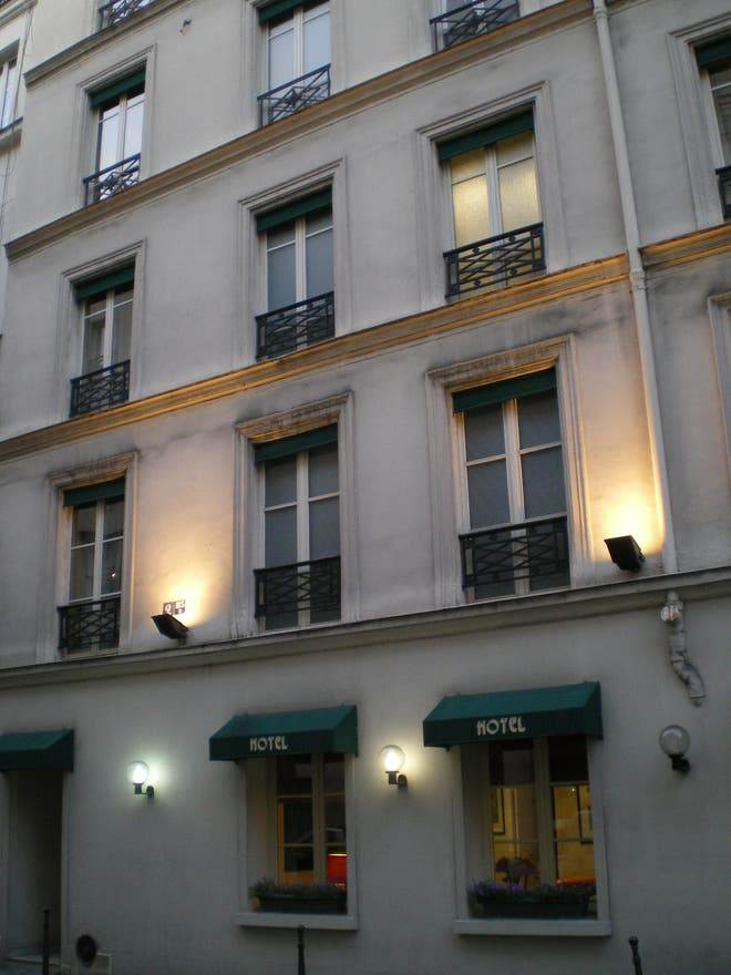 Photos de architecture hotel bastille speria paris 7325 for Fenetre bastille