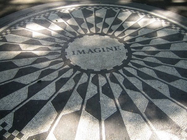 Máquina en Strawberry Fields - monumento a John Lennon