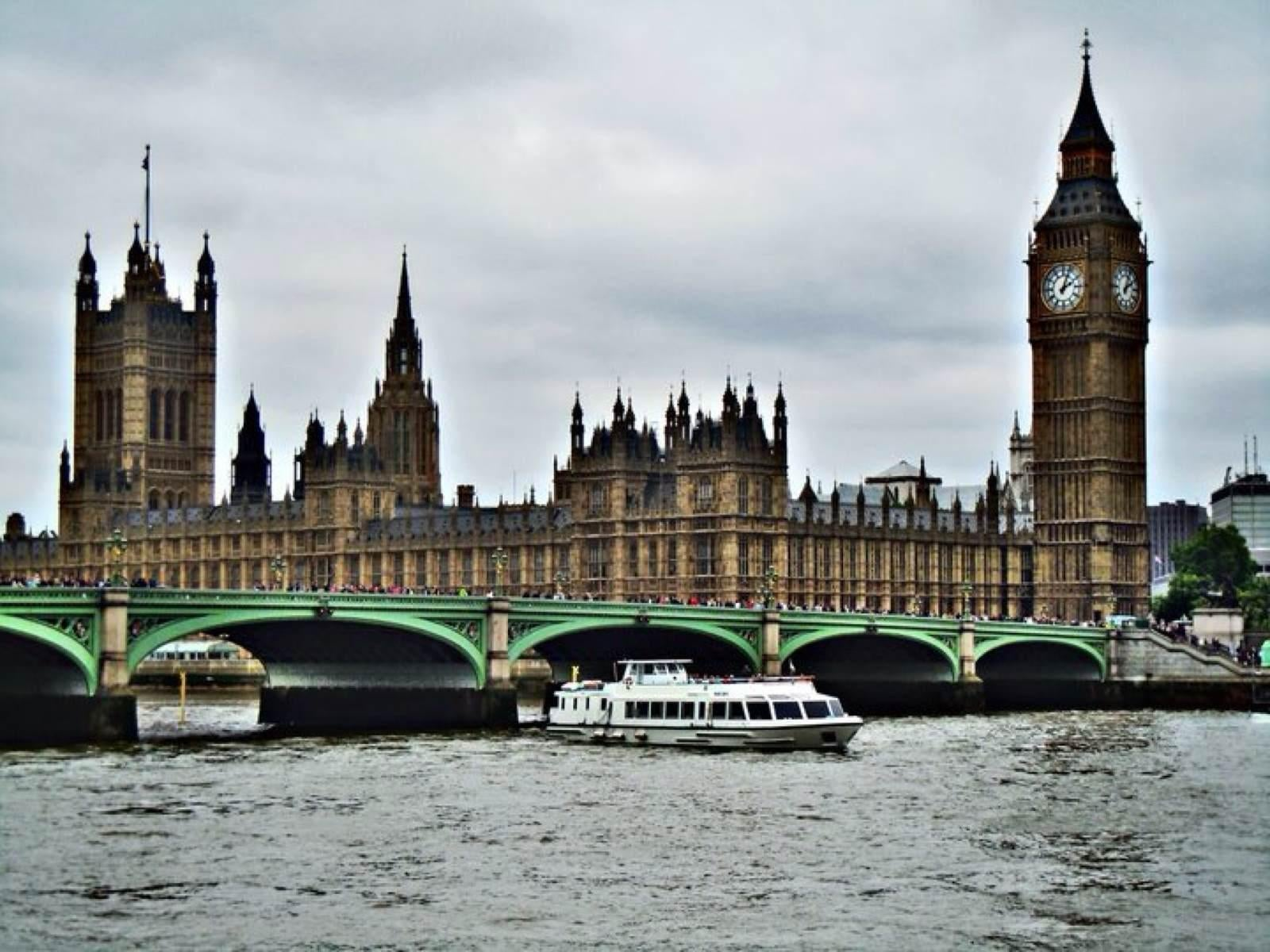 River in Big Ben