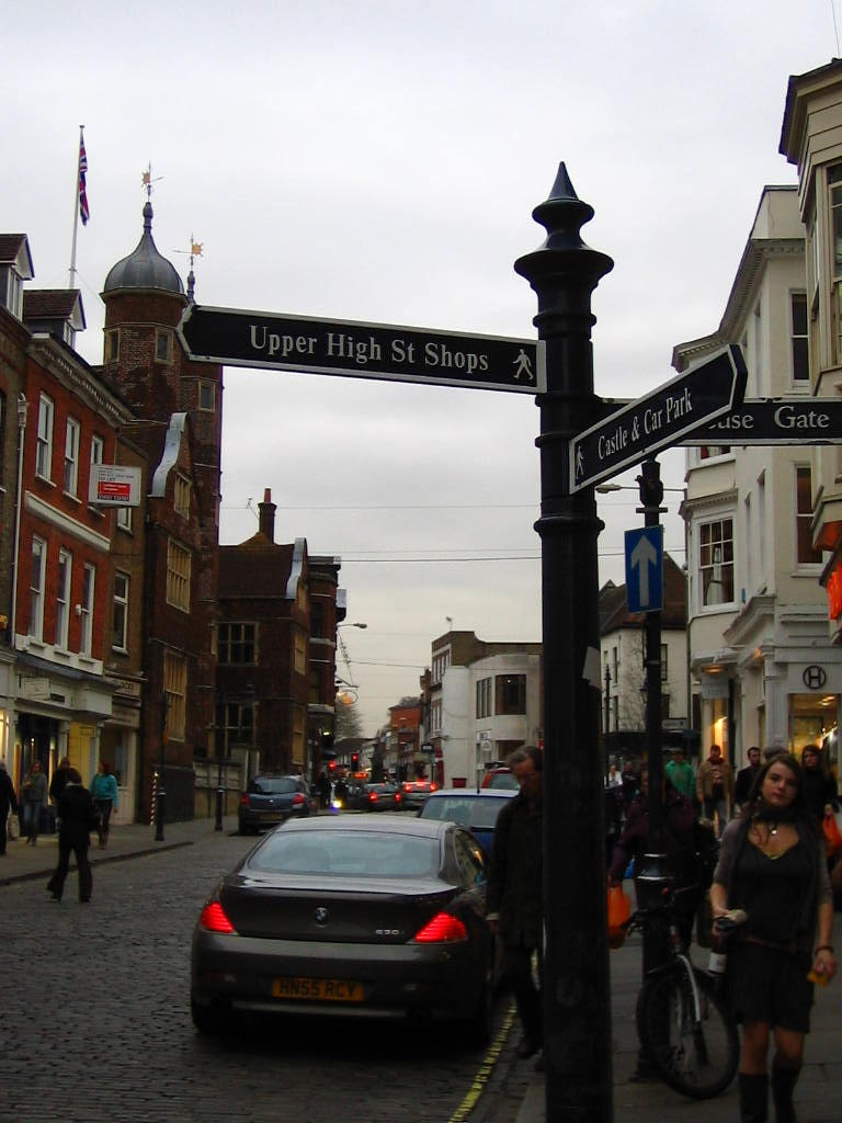 Calle en High Street de Guildford
