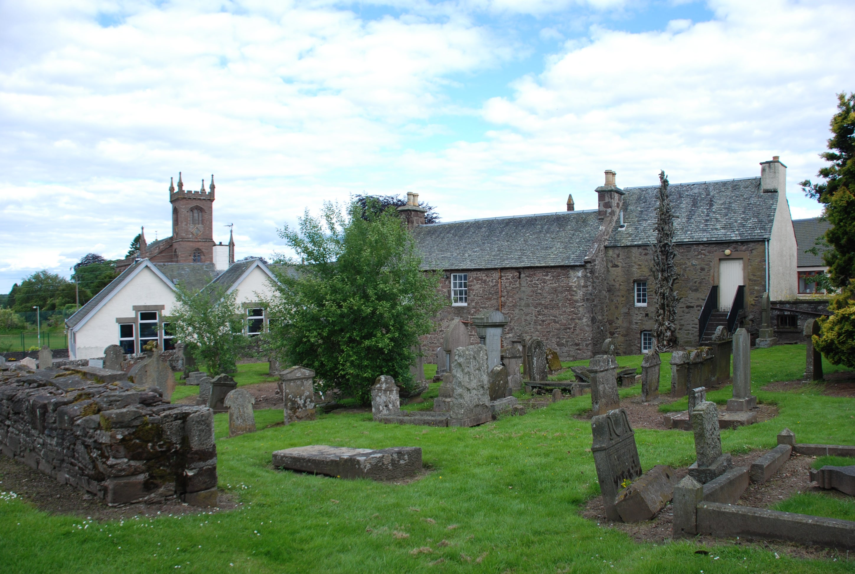 Old church of Muthill