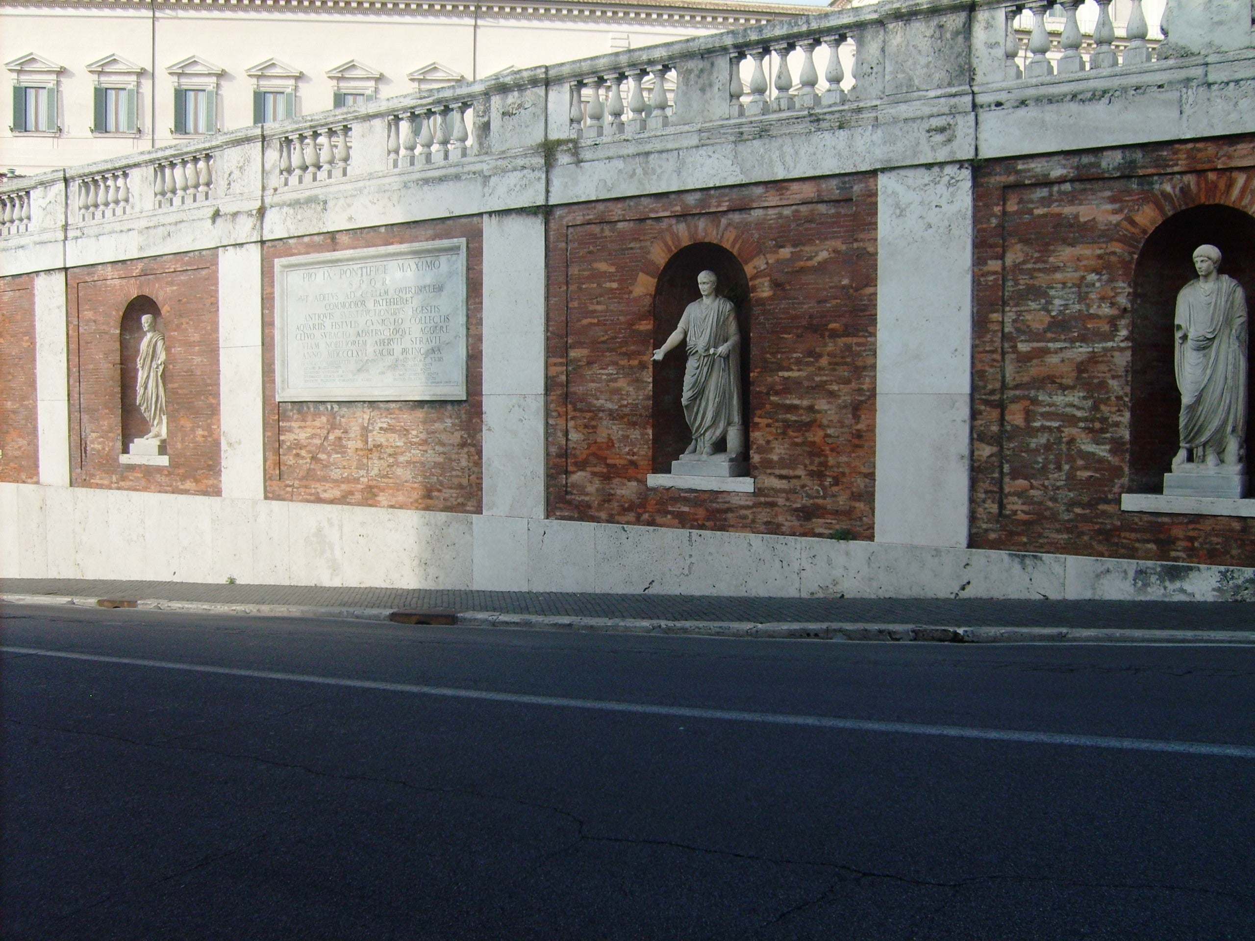 Pared en Plaza del Quirinale