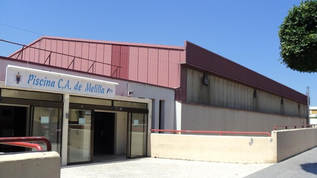 Commercial Building in Piscina Municipal