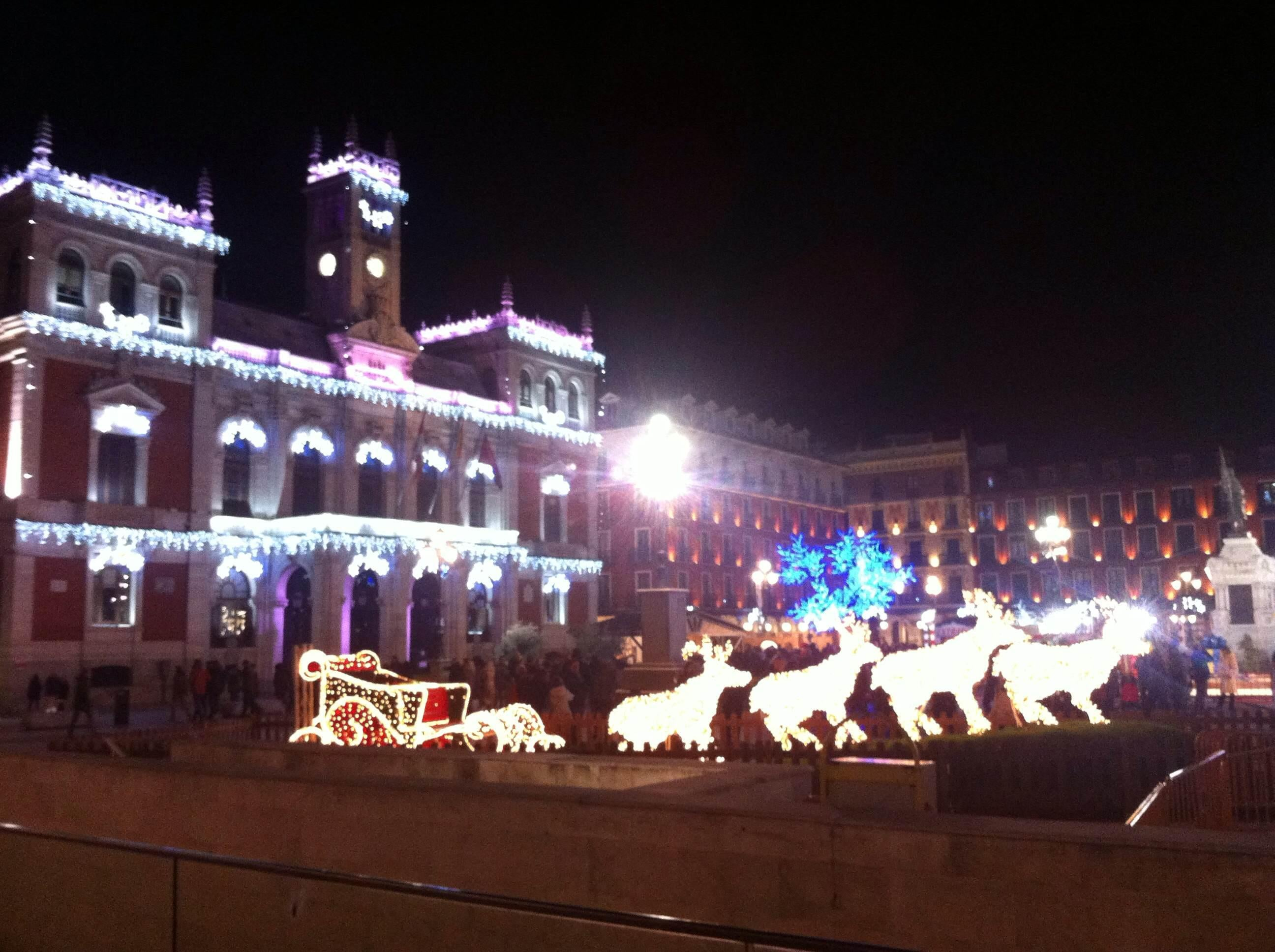Decoración navideña en Plaza Mayor
