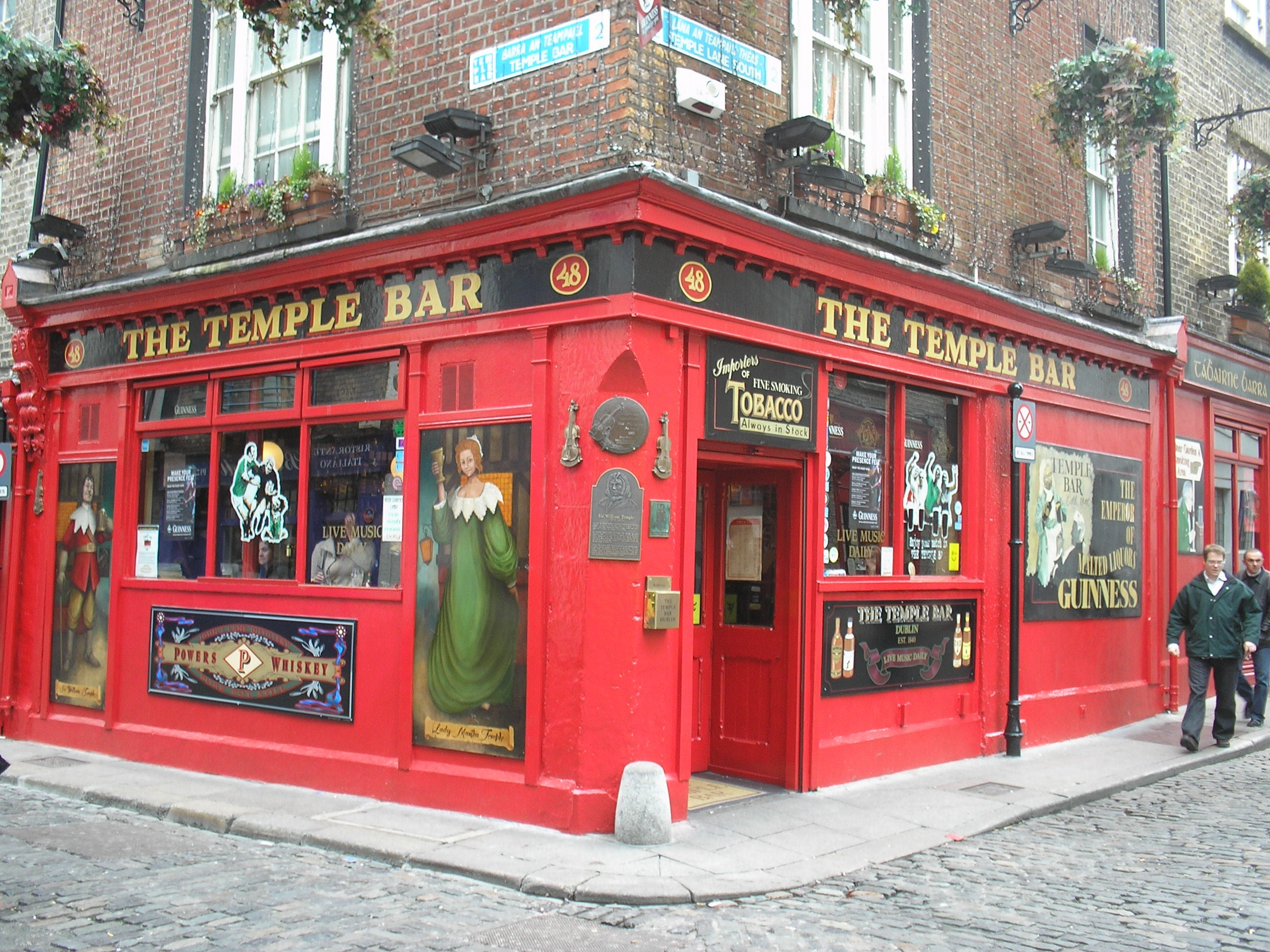 Rojo en Temple Bar