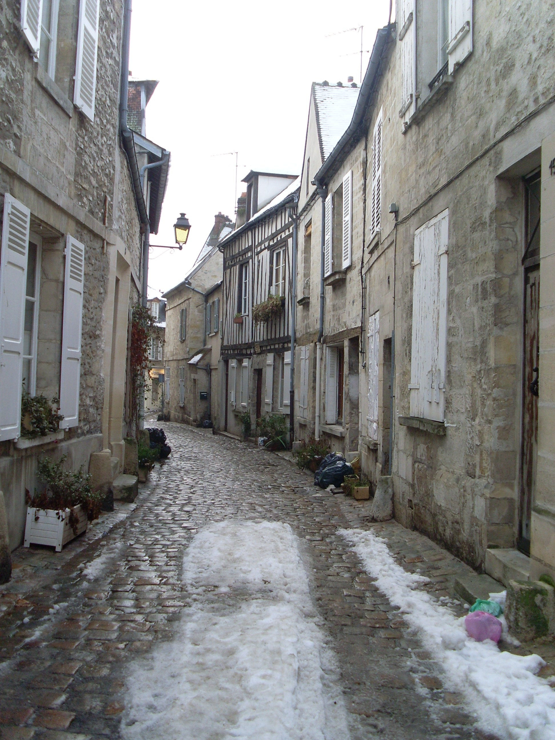 Old Senlis