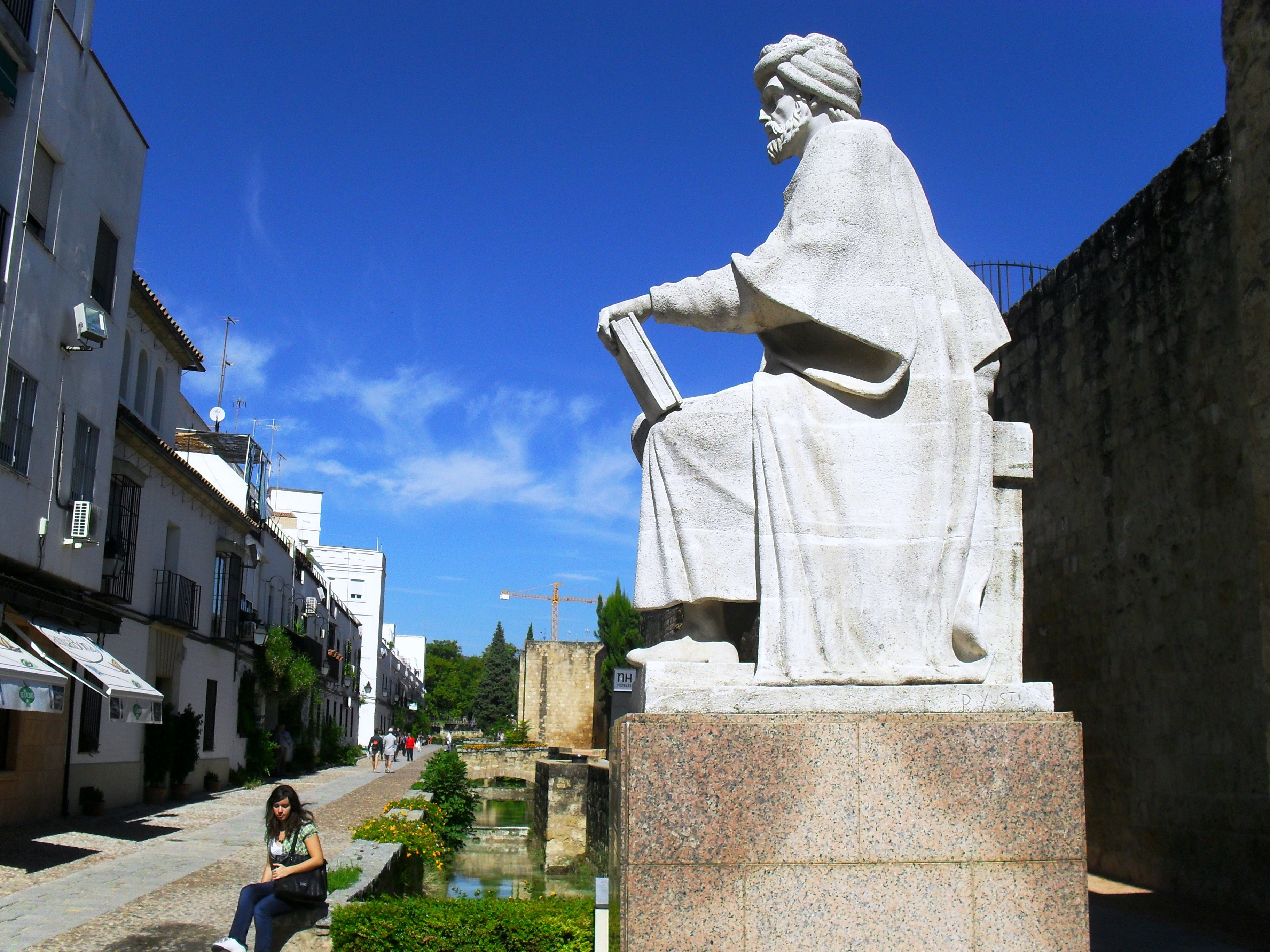 Monumento a Averroes
