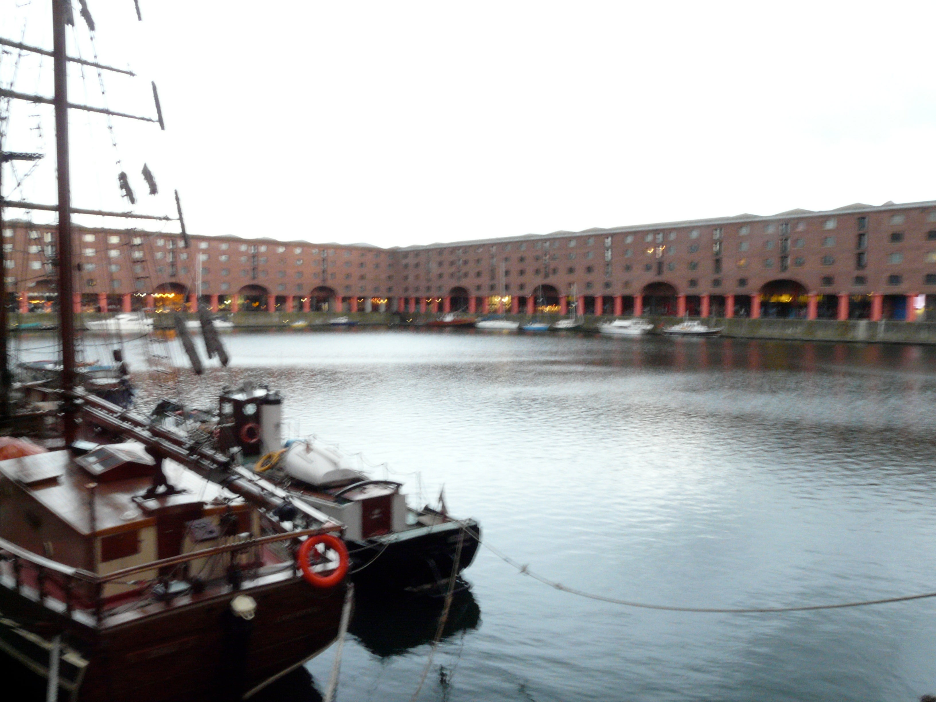 Barca en Royal Albert Dock