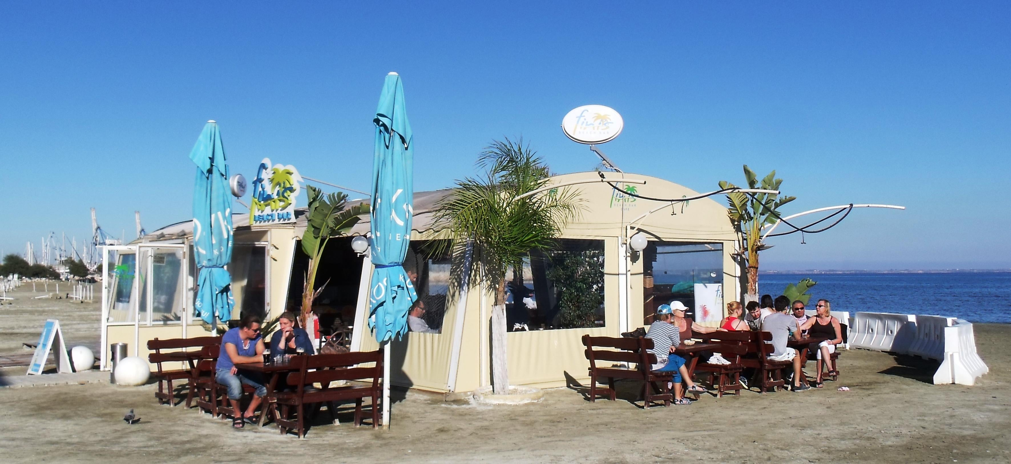 Fini's Beach Bar