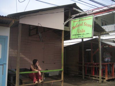 The shops and streets of Utila