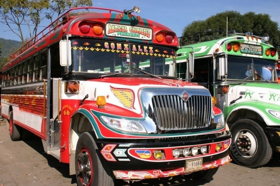 Campeonato de rally en Chicken Buses