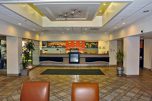 Motel 6 Airport Hotel