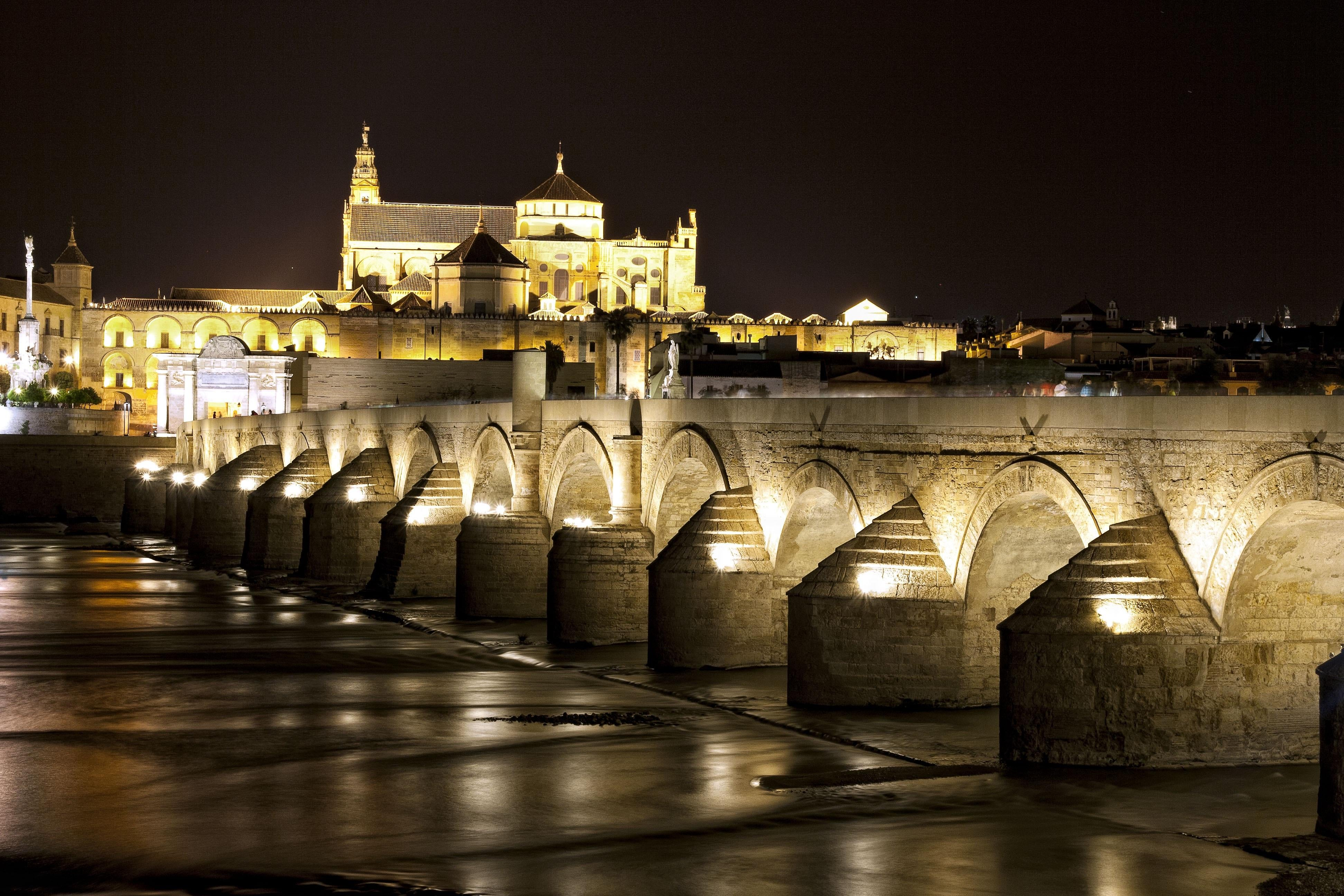 Skyline in Roman Bridge of Córdoba