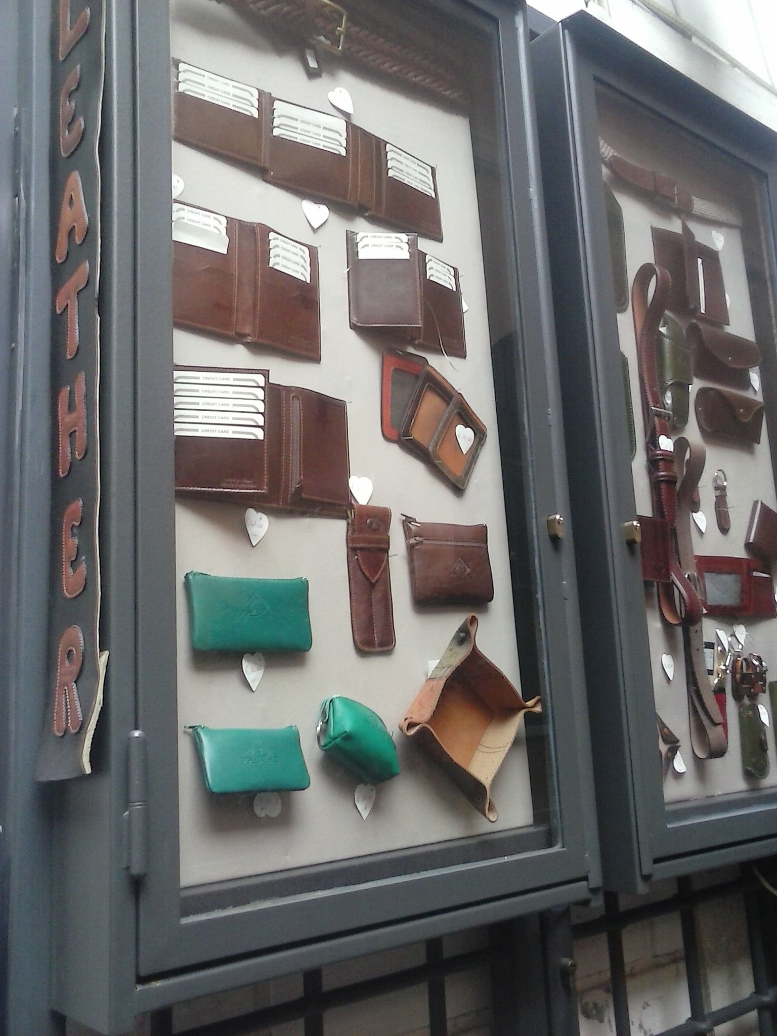 Facade in Leather Craftsman