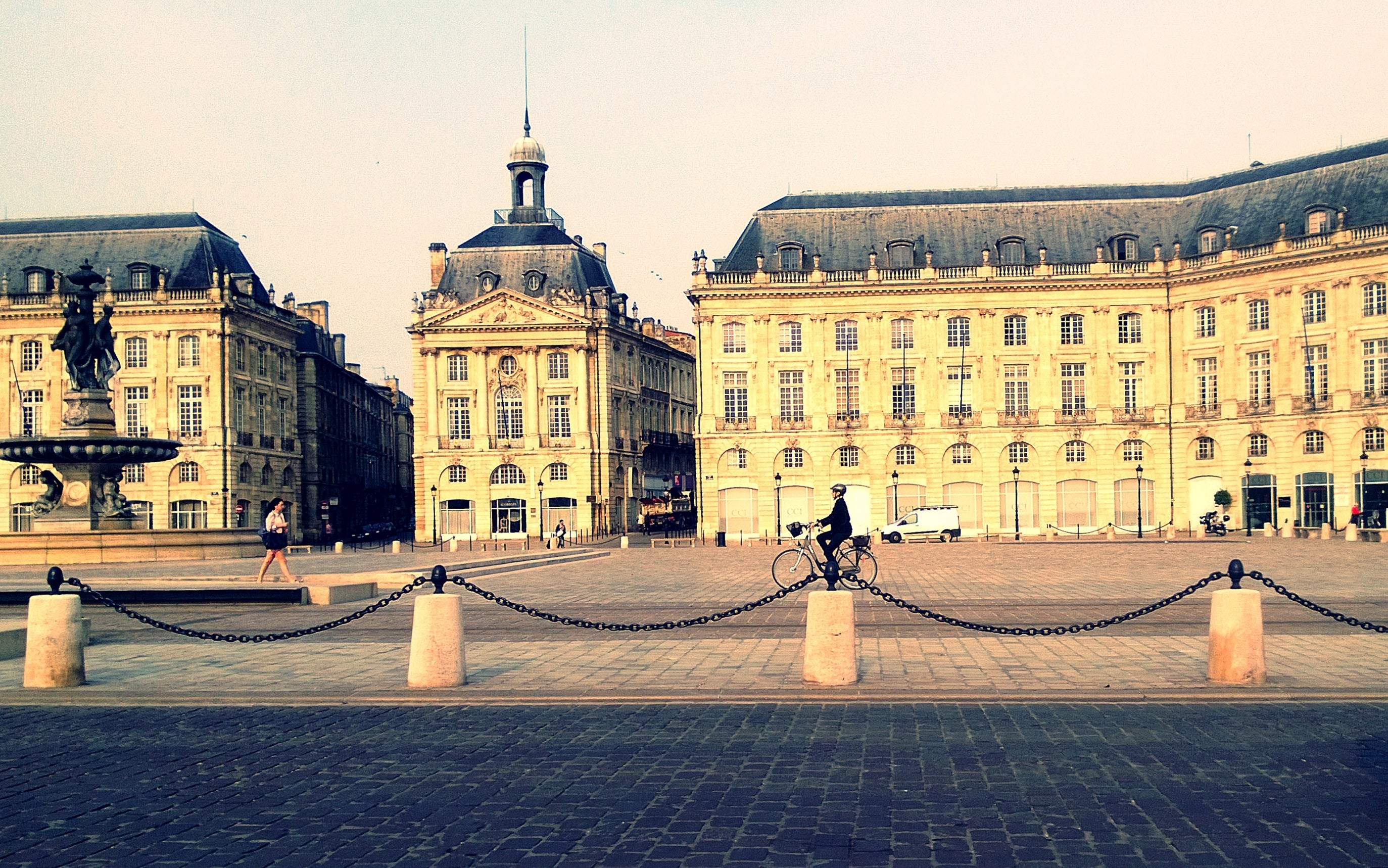 Plaza en Place de la Bourse