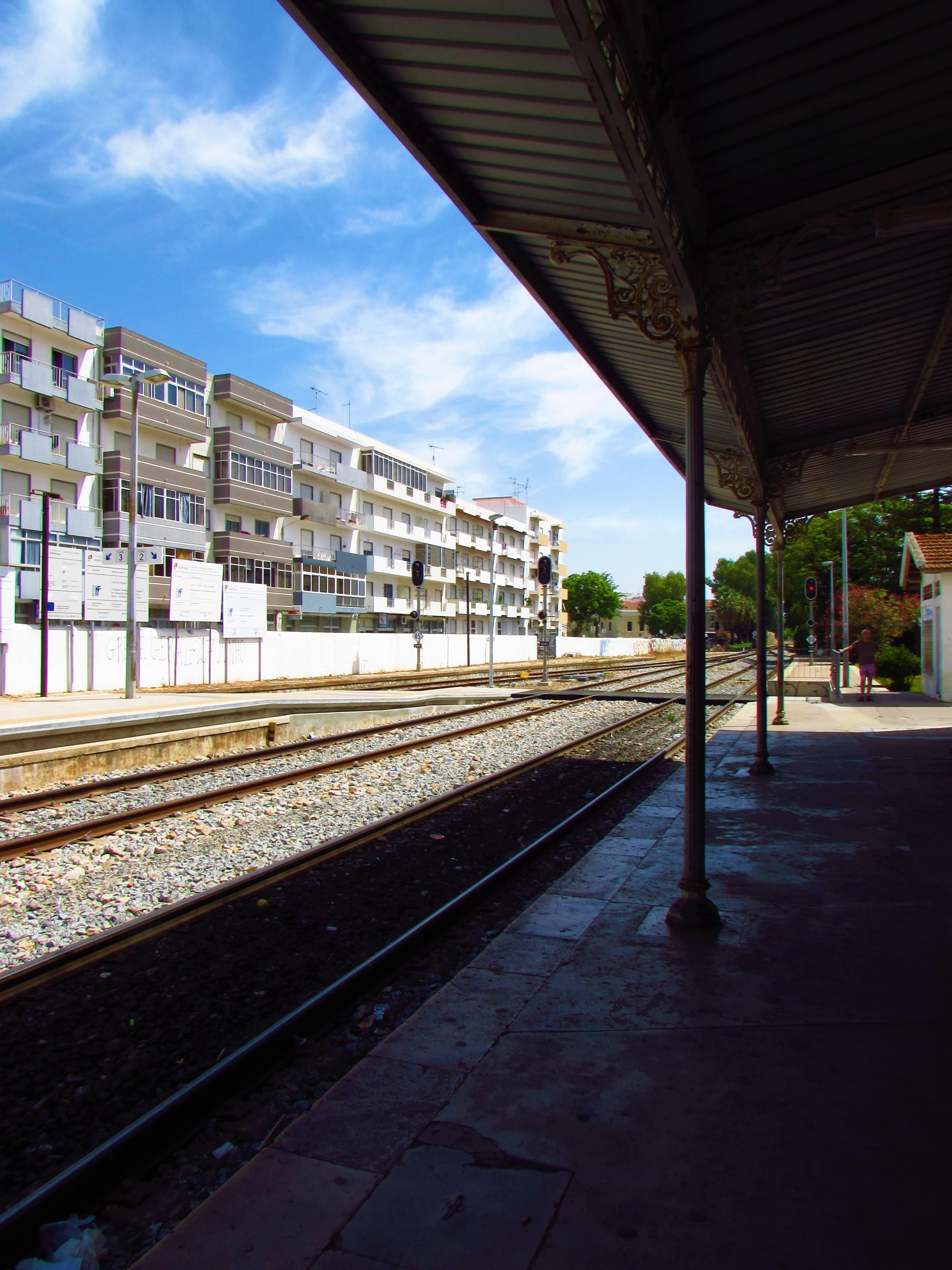 Mar en Estación de Tren