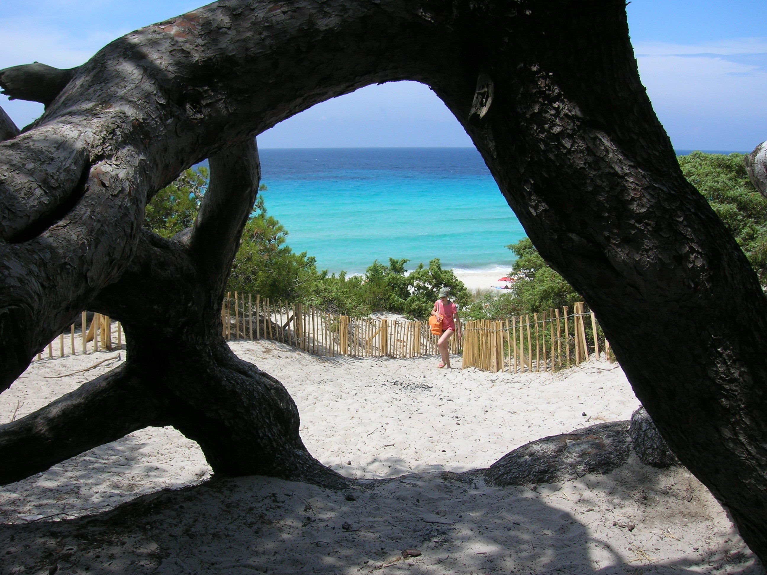 Arco natural en Playa de Saleccia