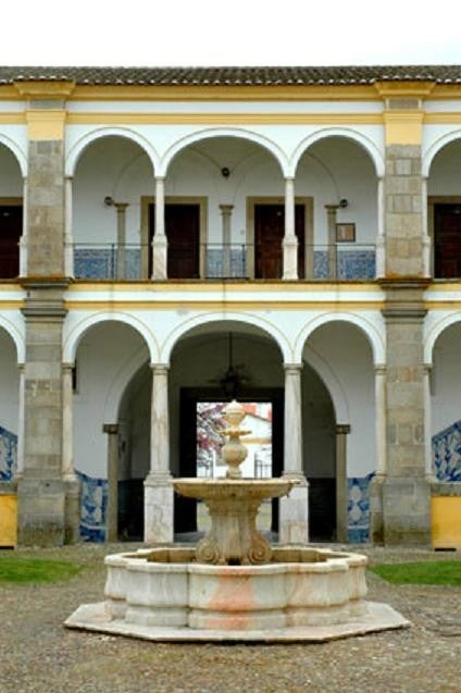Universidad de Évora