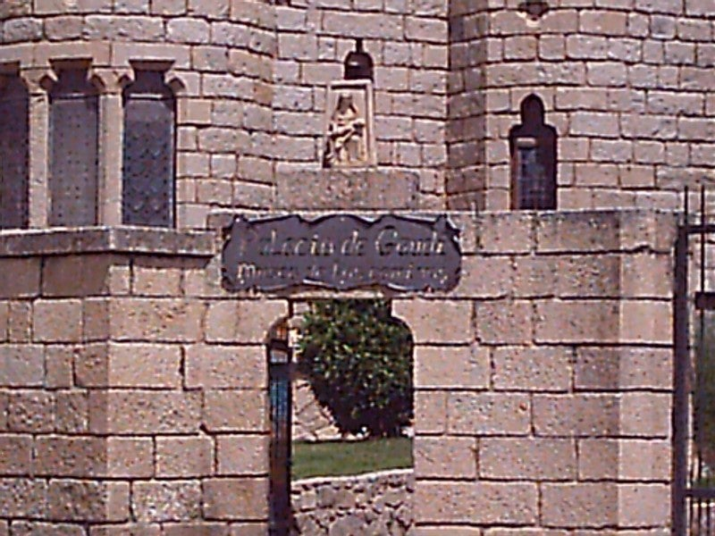 Pared en Palacio Episcopal de Astorga