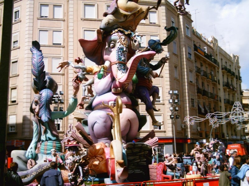 Multitud en Las Fallas
