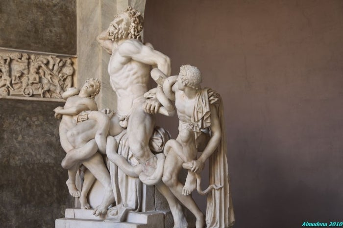 Laocoonte and His Sons Sculptural Group