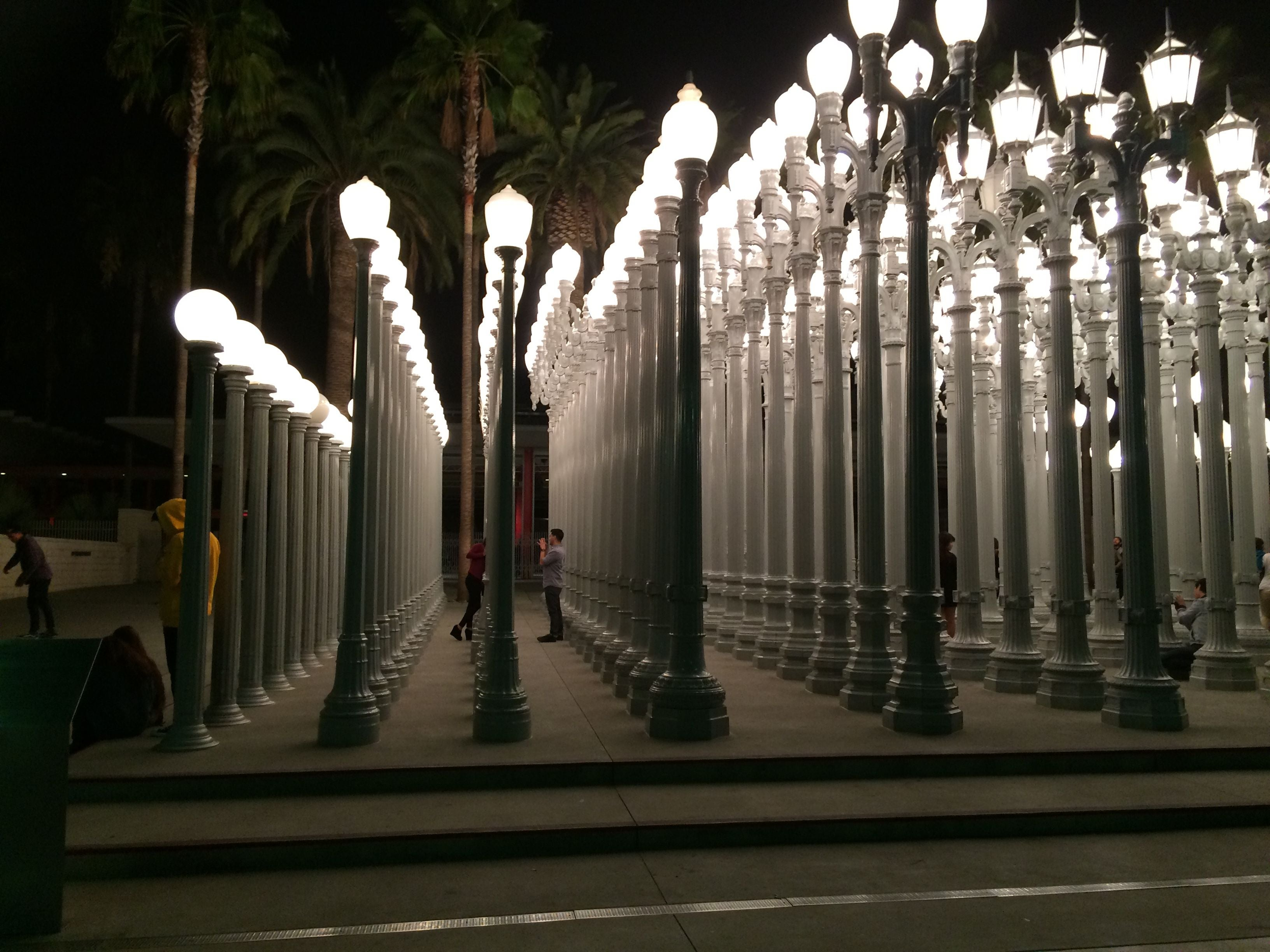 Amanecer en LACMA Lights