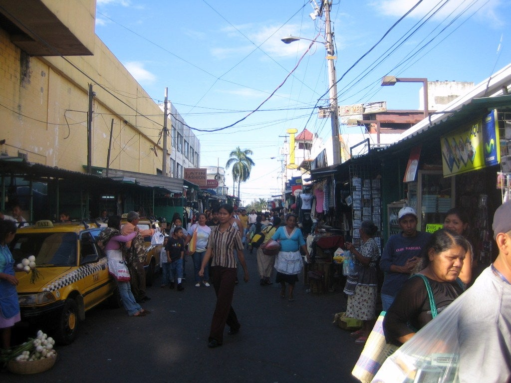 Multitud en San Salvador