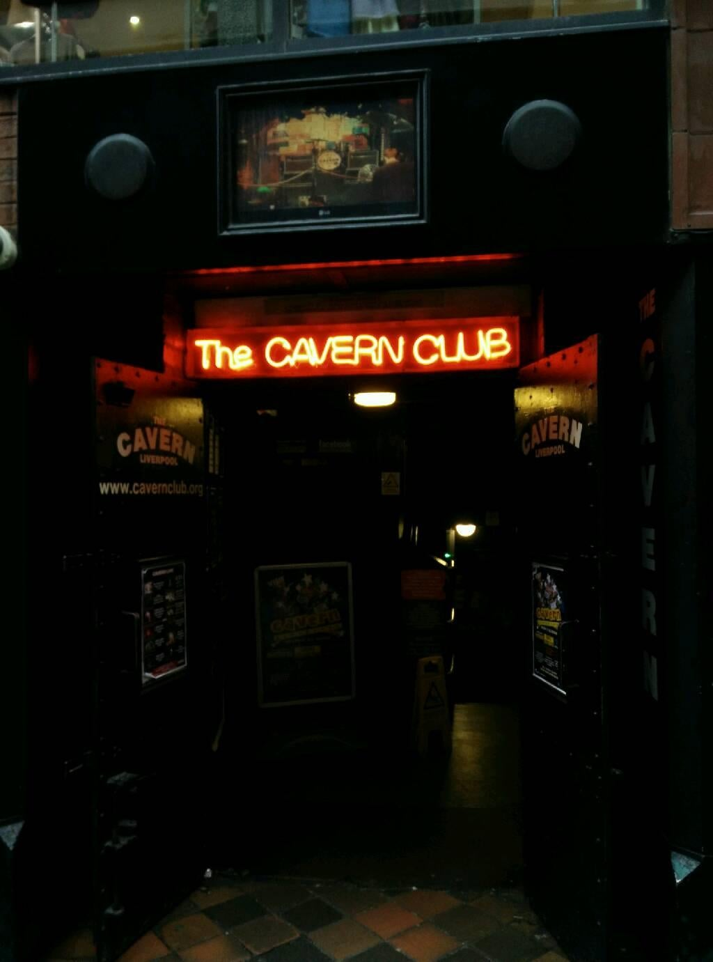 Juegos en Club The Cavern