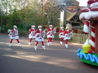 Mickey's Very Merry Christmas Parade (Desfile de Navidad)