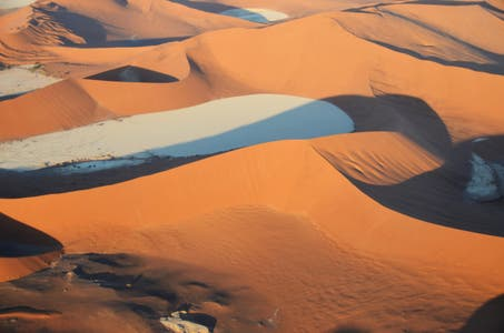 Flight in aircraft over the Namib