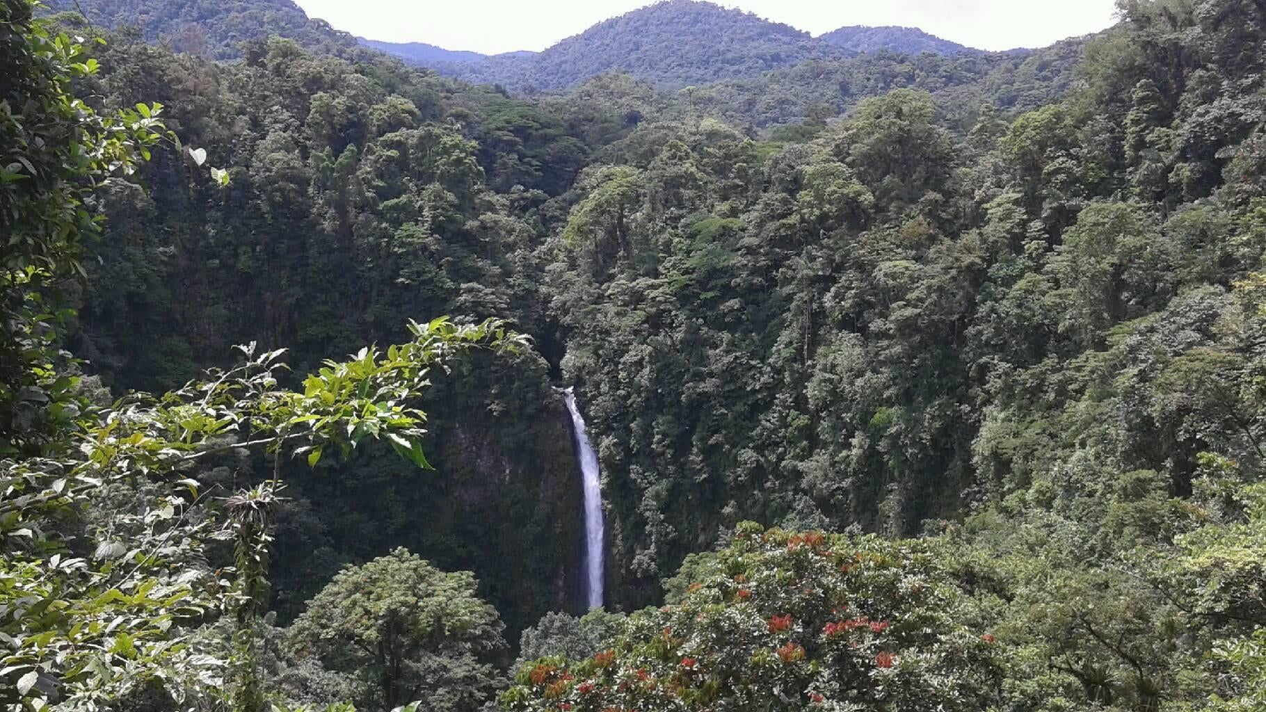 Valle en Catarata de La Fortuna