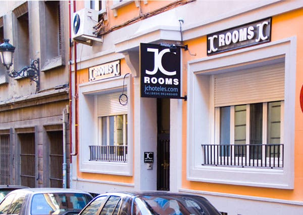Jc rooms puerta del sol en madrid 2 opiniones 8 fotos for Hotel paris en madrid puerta del sol