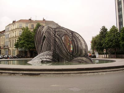 Solidarity Sculpture