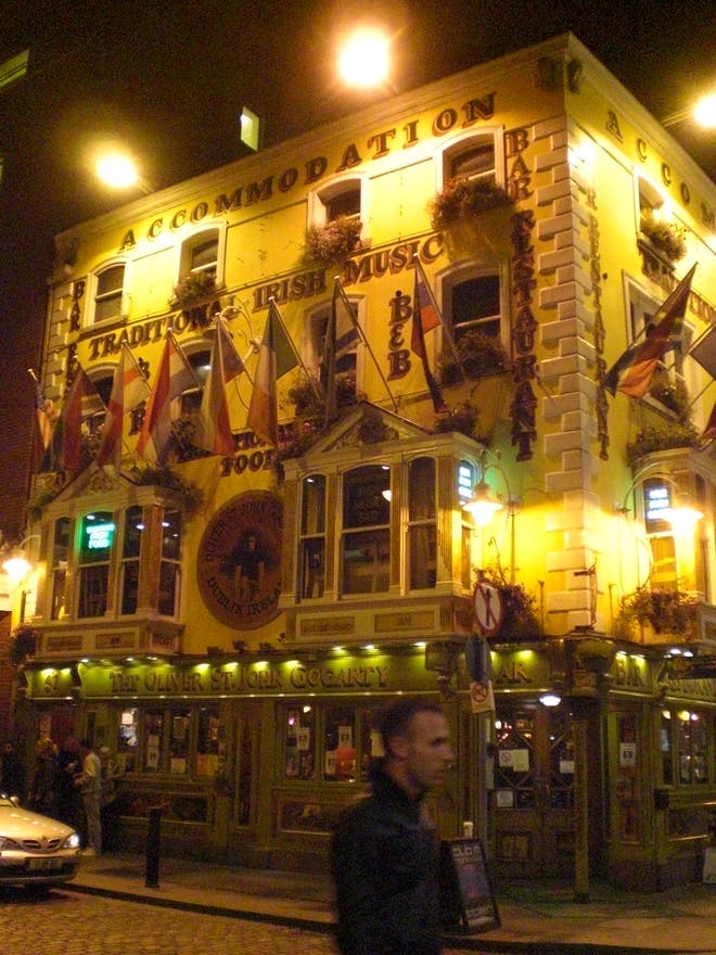 H tel the oliver st john gogarty dublin 4 avis et 7 for Reservation d4hotel