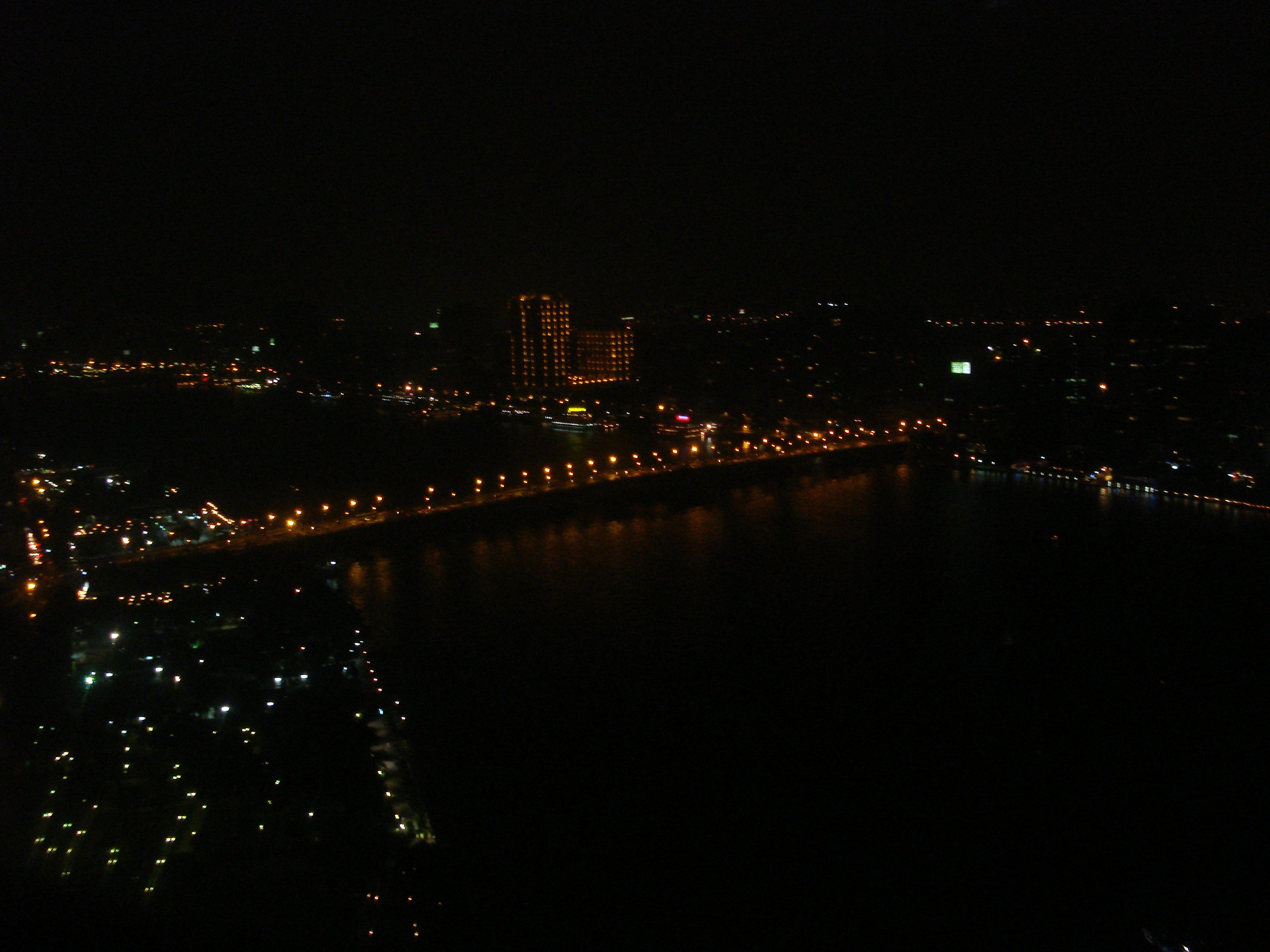 Ciudad en The Revolving Restaurant - Grand Nile Tower