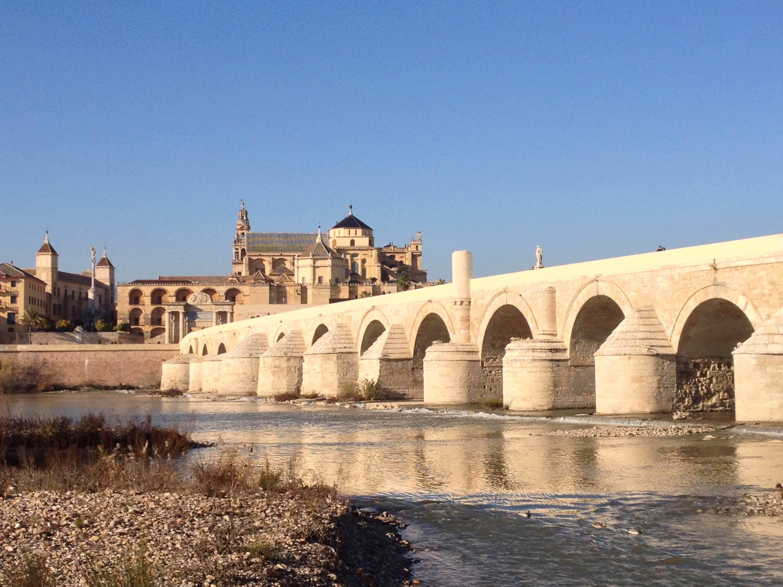 River in Roman Bridge of Córdoba