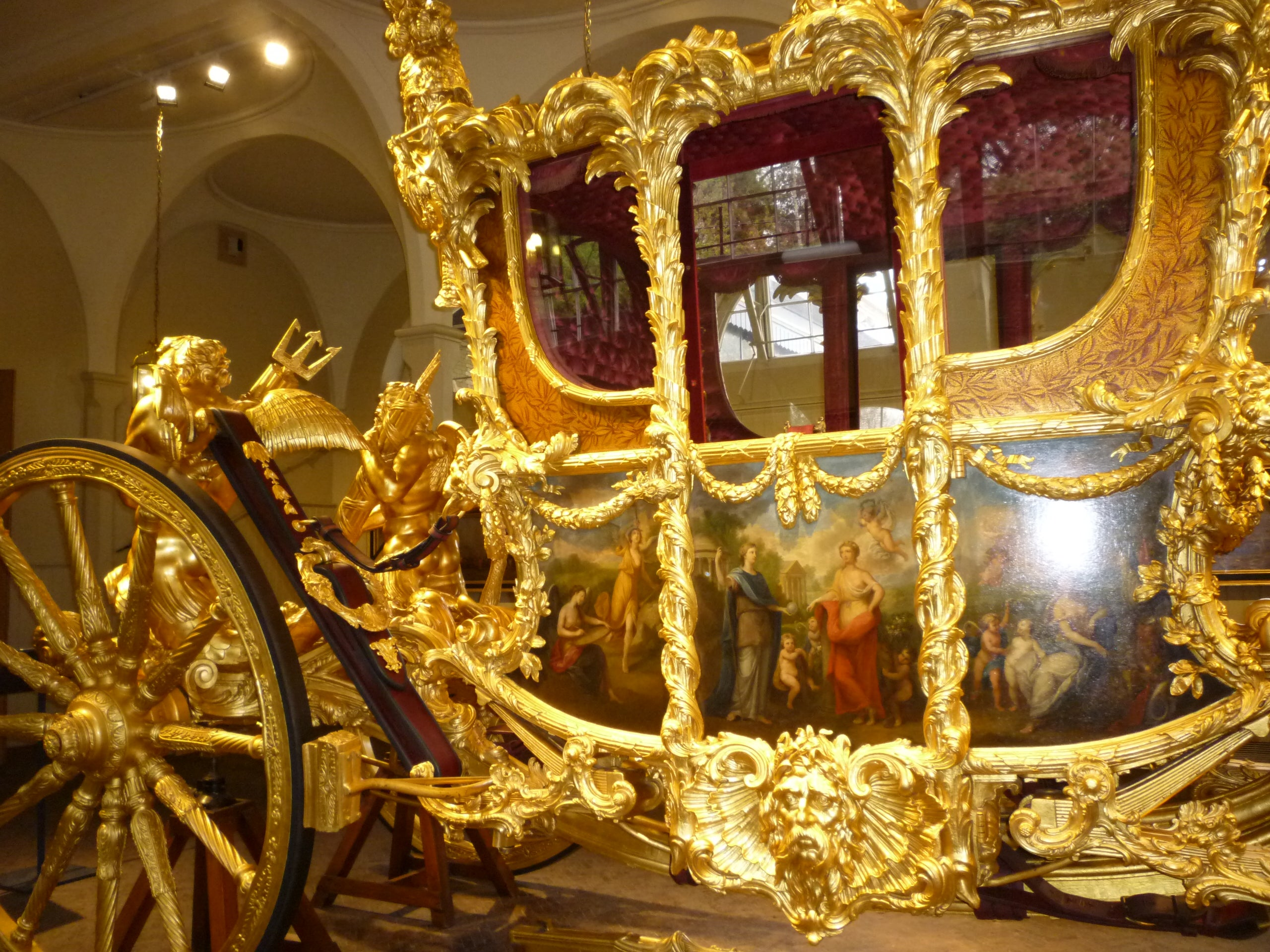 Latón en Royal Mews